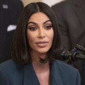 Kim Kardashian : Avant/après choc de ses jambes, ravagées par le psoriasis