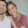 Bar Refaeli surprend son ami, l'animateur télé Assi Azar, en lui annonçant sa troisième grossesse sur Isntagram, le 20 juin 2019.