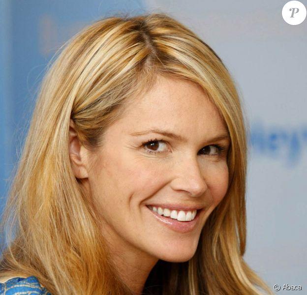 Elle Macpherson fête les 10 ans d'un programme de l'UNICEF