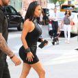 """Kim Kardashian fait du shopping avec Jonathan Cheban et Simon Puck chez """"Jeffrey New York"""" à New York, le 25 juin 2019. Kim fait un FaceTime avec son mari K. West dans la boutique."""