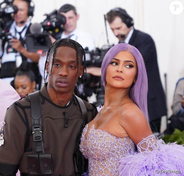 """Travis Scott et sa compagne Kylie Jenner - Arrivées des people à la 71ème édition du MET Gala (Met Ball, Costume Institute Benefit) sur le thème """"Camp: Notes on Fashion"""" au Metropolitan Museum of Art à New York, le 6 mai 2019."""