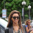 Beyoncé suit la tendance et mise sur les Wayfarer, les lunettes incontournables de la saison