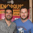 """Exclusif - Alex Goude et Maxime Guény - Photocall du spectacle """"Ménopause"""" au Théâtre de la Madeleine à Paris. Le 29 juin 2019 © Coadic Guirec / Bestimage"""