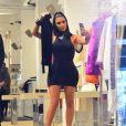 """Kim Kardashian fait du shopping avec Jonathan Cheban et Simon Puck chez """"Jeffrey New York"""" à New York, le 25 juin 2019."""