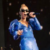 Céline Dion : Disco queen sur scène et tirée du lit par des fans excités