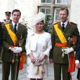 Maria Teresa et Henri, grand-duc et grande-duchesse de Luxembourg, lors de la Fête Nationale 2009, avec le prince héritier Guillaume, leur fils aîné