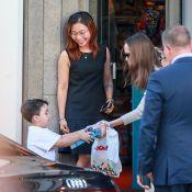 Angelina Jolie à Paris : elle donne un jouet neuf au fils d'une fan