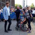 """Le prince Harry, duc de Sussex, lors du départ de la course """"Invictus UK Trials"""" depuis le """"English Institute of Sport"""" à Sheffield. Le 25 juillet 2019"""