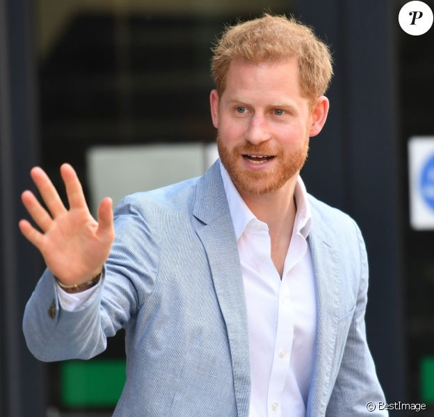 Le prince Harry, duc de Sussex visite l'Université Sheffield Hallam et découvre les nouvelles technique de recherche et d'apprentissage de l'université. Sheffield, le 25 juillet 2019.