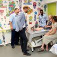 Le prince Harry, duc de Sussex, lors d'une visite à l'hôpital pour enfants de Sheffield le 25 juillet 2019 à Sheffield, en Angleterre le 25 juillet 2019.