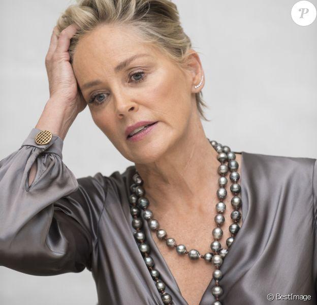 """Sharon Stone en conférence de presse pour la série """"Mosaic"""" à Beverly Hills. Le 12 décembre 2017."""