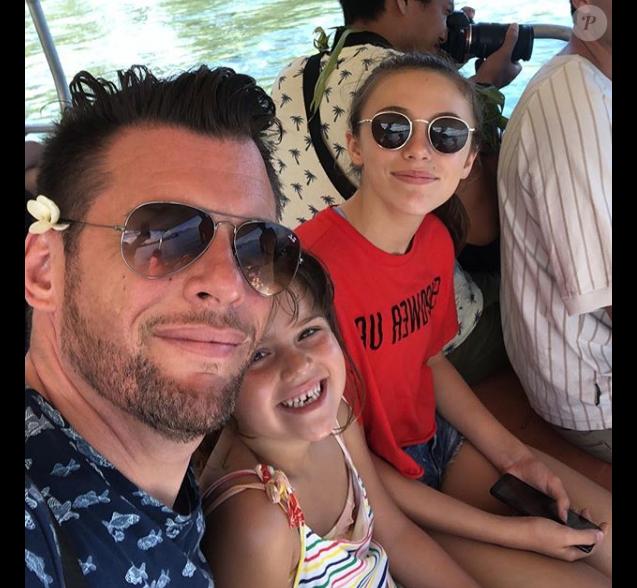 Norbert Tarayre avec ses filles, en Polynésie, le 2 juin 2019