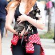 Info du 27 juillet 2019 (Waldo Picasso, le chien de Sophie Turner, tué dans un accident de voiture. L'actrice est dévastée) - Sophie Turner et son compagnon Joe Jonas quittent le Bowery Hotel pour une balade à New York avec leur bébé chien le 7 septembre 2017.