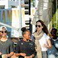 Exclusif - Angelina Jolie est allée faire du shopping avec ses enfants Maddox et Zahara chez Fred Segal à Hollywood, le 10 septembre 2018