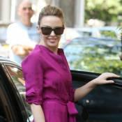 Kylie Minogue version couleur pourpre : elle est irrésistible !