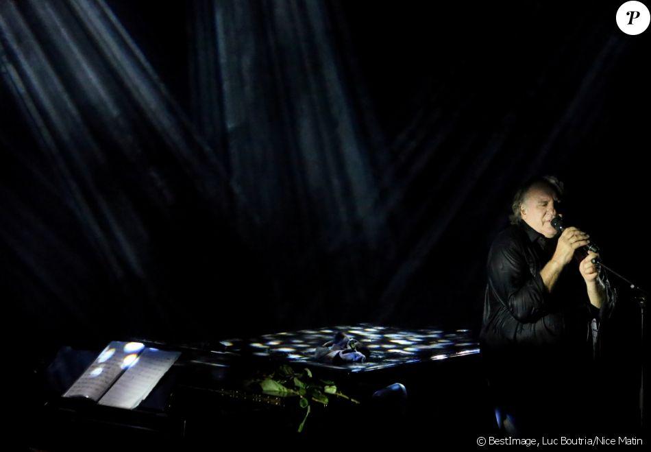 "Exclusif - Gérard Depardieu lors de son concert ""Depardieu Chante Barbara"" au Festival de Ramatuelle, France, le 11 août 2019."