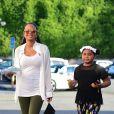 Exclusif - Christina Milian enceinte et sa fille Violet Madison Nash se balade dans les rues de Los Angeles. Christina attend un enfant avec son compagnon M. Pokora. Le 31 juillet 2019