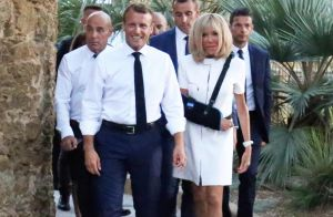 Brigitte et Emmanuel Macron tendrement enlacés, une belle photo inédite