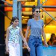 Katie Holmes et sa fille Suri Cruise se baladent dans les rues de New York, le 19 août 2019.