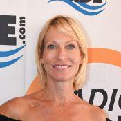 Rebecca Hampton : Superbe sirène en bikini à la plage