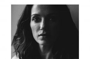 Aure Atika se dévoile : son nu artistique enflamme Instagram