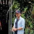 """Manu Payet arrive à l'enregistrement de l'émission """"Vivement Dimanche Prochain"""" au studio Gabriel à Paris, France, le 28 août 2019."""