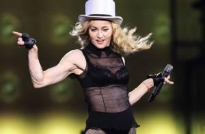Madonna en ''Kabbale'' avec sa famille... mais ça ne donne pas le sourire à sa petite Mercy !