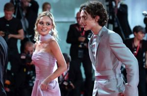 Lily-Rose Depp et Timothée Chalamet à Venise : regards complices sur tapis rouge