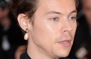 Harry Styles change de look : Le chanteur adopte la coupe au bol...