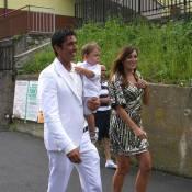 Gianluigi Buffon, radieux au mariage de sa soeur... avec sa sublime compagne enceinte et leur mignon petit garçon !
