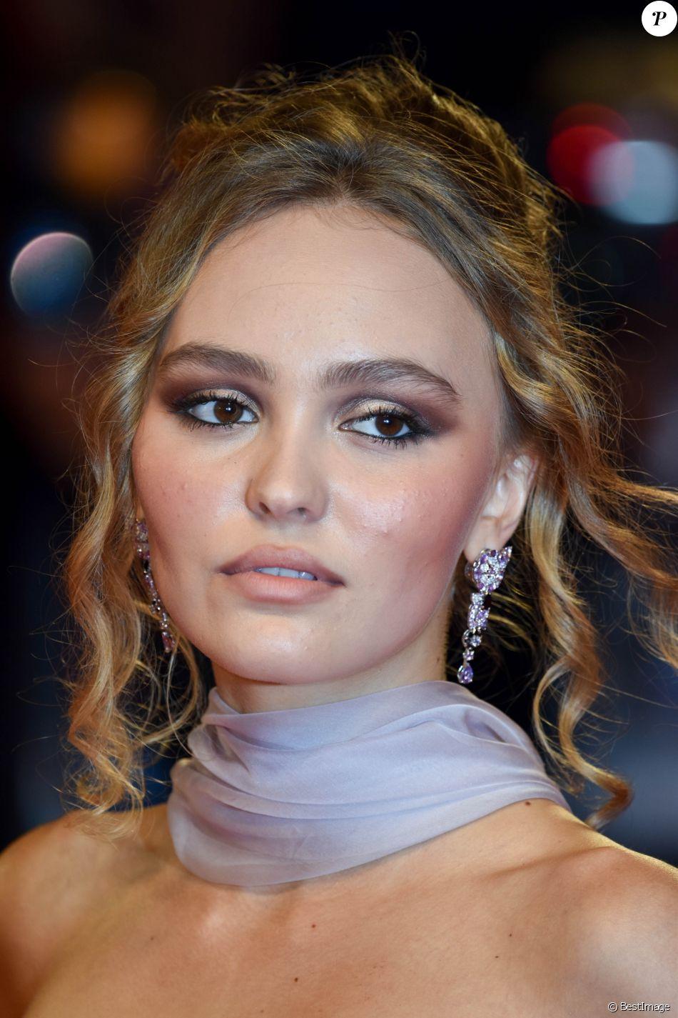 """Lily-Rose Depp - Tapis rouge du film """"The King"""" lors du 76e festival international du film de Venise, la Mostra, le 2 septembre 2019."""
