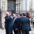 Nathalie, la mère d'Anthoine, Victhor, le frère d'Anthoine avec son casque à la main, Julie la compagne d'Anthoine - Obsèques du jeune pilote Anthoine Hubert en la cathédrale de Chartres le 10 septembre 2019.