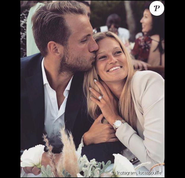 Lucas Pouille et Clémence Bertrand ont annoncé leurs fiançailles sur Instagram, ce 15 août 2018.