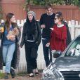 Demi Moore et ses trois filles Rumer, Scout et Tallulah Willis vont chercher de la nourriture à emporter avant de partir pour une virée shopping à Studio City le 3 février 2017.