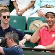 Le chanteur Mika et son compagnon Andy Dermanis dans les tribunes lors de la finale homme des Internationaux de Tennis de Roland-Garros à Paris le 11 juin 2017. © Dominique Jacovides-Cyril Moreau / Bestimage