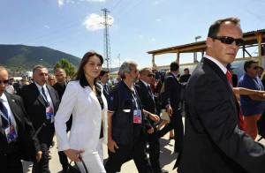 Carla Bruni : le match avec Michelle Obama n'aura finalement pas lieu ! Notre couple présidentiel a séché le dîner !!!