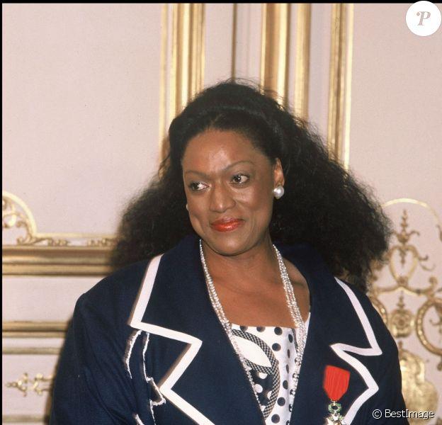 Archives- Jessye Norman à Paris en 1986- Cérémonie de remise de la Légion d'Honneur.