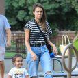 Exclusif - Jessica Alba emmène son fils Hayes jouer au parc Coldwater dans le quartier de Beverly Hills à Los Angeles, le 21 septembre 2019