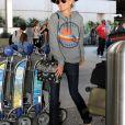 Laeticia Hallyday arrive à l'aéroport LAX de Los Angeles en provenance de Paris, le 1er octobre 2019.