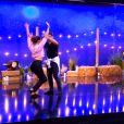 """Linda Hardy et Christophe Licata sur une rumba lors du troisième prime de """"Danse avec les stars 2019, le 5 octobre, sur TF1"""
