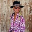 """Laeticia Hallyday à Los Angeles le 2 octobre 2019. Elle est allée déjeuner avec Maryline Issartier et Marine (l'ex-femme de son compagnon Pascal Balland) au restaurant """"Kiff Kafe""""."""