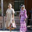 """Laeticia Hallyday est allée déjeuner avec Maryline Issartier et Marine (l'ex-femme de son compagnon Pascal Balland) au restaurant """"Kiff Kafe"""" à Los Angeles le 2 octobre 2019."""