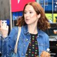"""Ellie Kemper quitte les studios de """"Good Morning America"""""""" à New York. Le 3 juillet 2019."""