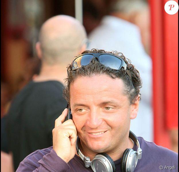 Jonathan Bermudes (de David et Jonathan) dans les rues de Saint-Tropez (12 juillet 2009)
