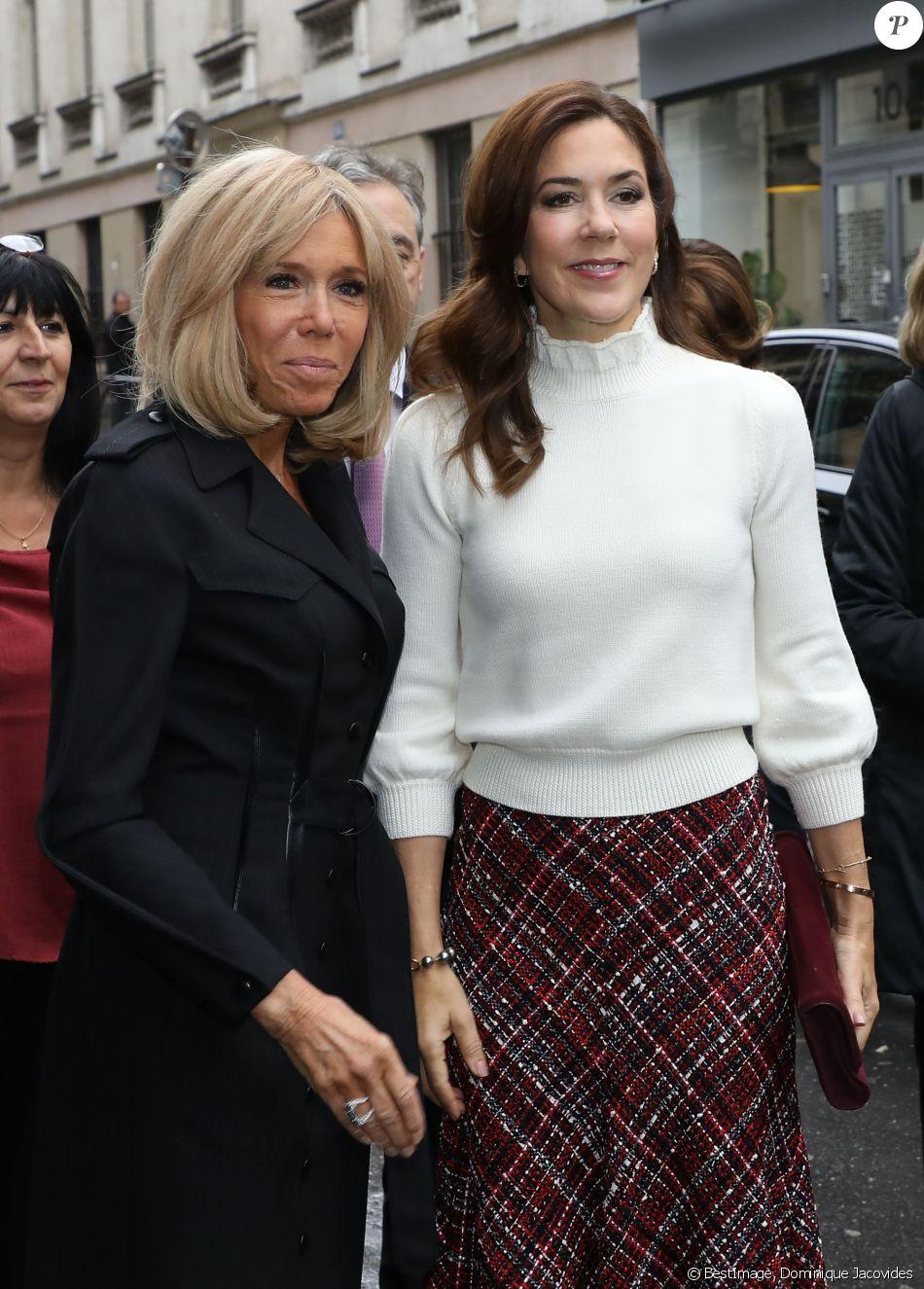 Brigitte Macron et la princesse Mary de Danemark visitent la cité scolaire Alphonse de Lamartine à Paris le 9 octobre 2019. © Dominique Jacovides/Bestimage