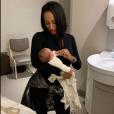 Nabilla et Thomas parents : Demdem à la maternité le 13 octobre 2019.