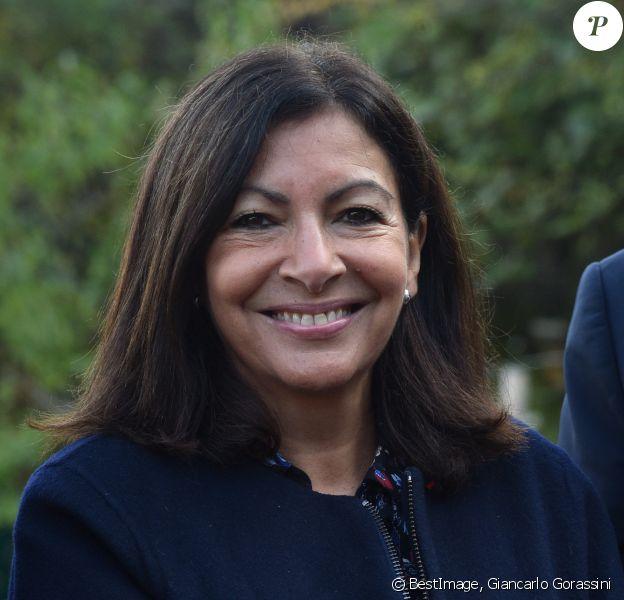 La Maire de Paris Anne Hidalgo - Vendanges des vignes du Clos Montmartre à Paris le 12 octobre 2019. © Giancarlo Gorassini/Bestimage