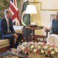 Le prince William, duc de Cambridge, et Catherine (Kate) Middleton, duchesse de Cambridge, en entretien avec la président pakistanais Arif Alvi à sa résidence présidentielle d'Islamabad, dans le cadre de leur visite officielle de 5 jours. Pakistan, le 15 octobre 2019.