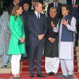 Le prince William et Kate Middleton en compagnie du Premier ministre Imran Khan, à la sortie d'une réunion au Palais présidentiel d'Islamab, dans la cadre de leur visite officielle de cinq jours. Pakistan, le 15 octobre 2019.
