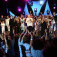 C'est de la folie au Festival Tout le Monde Chante contre le Cancer. Les artistes ont rassemblé de nombreux spectateurs. Juillet 2009
